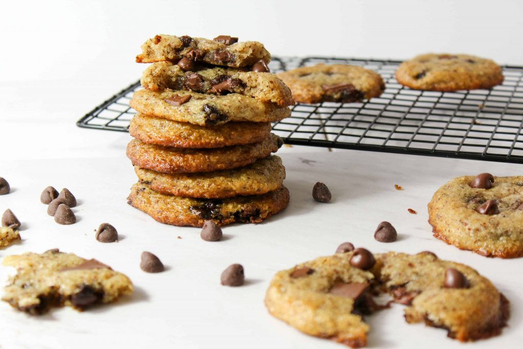 These chewy chocolate chip cookies are everything you could want in a cookie recipe - delicious, gooey, doughy, and not to mention gluten free, vegan, and low fodmap!