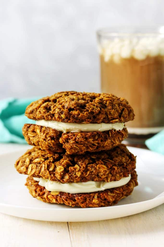 This super easy recipe for chewy ginger molasses cookies is the healthy dessert recipe you're going to want to keep for the holidays year after year! They're like a gingerbread cookie meets an oatmeal raisin cookie with all the deliciousness of a homemade treat. All you need is a few ingredients and one bowl to make these vegan and gluten free cookies! #HealthyHacks
